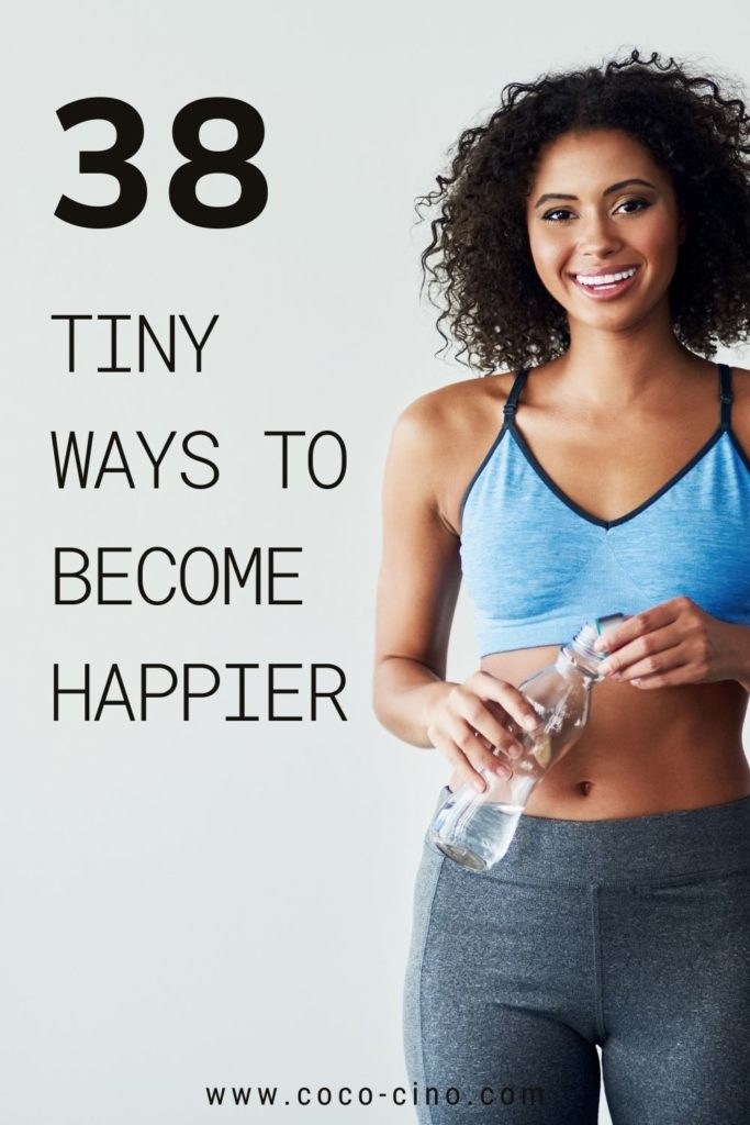 38 Ways to Become the Best Version of Yourself_women in sport outfit and water bottle
