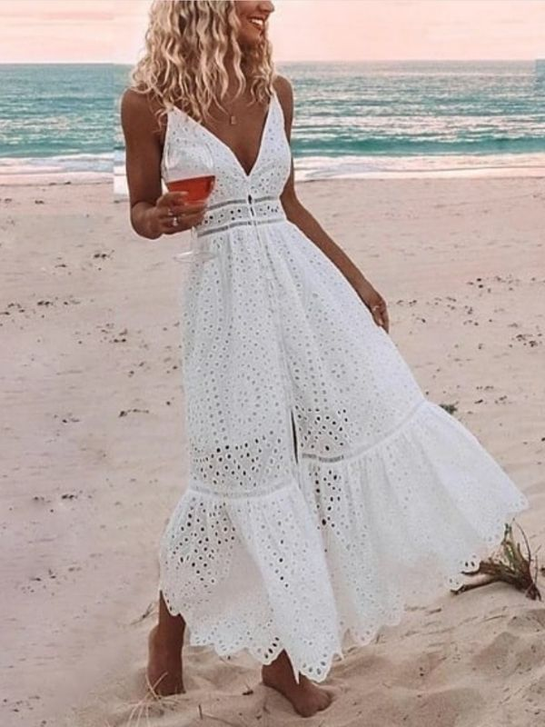 Girl in withe Beach Maxi Dress with cut-outs