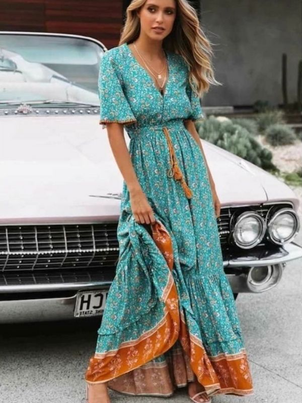 Maxi Dresses_Girl in a Boho Dress in turquois and orange