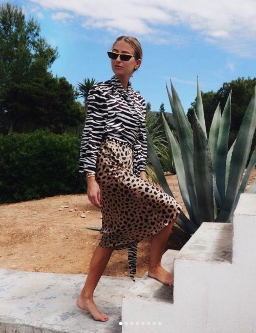 Beautiful leopard skirt_Must-Have_Leopard Skirt_Animal Print_Girl with Leo Skirt and Zebra Blouse