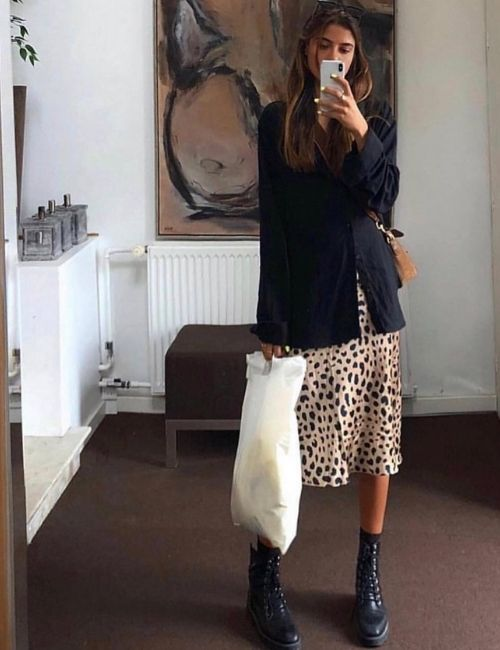 Beautiful leopard skirt_Must-Have_Leopard Skirt_Animal Print_Girl with Leo Skirt and black Blazer