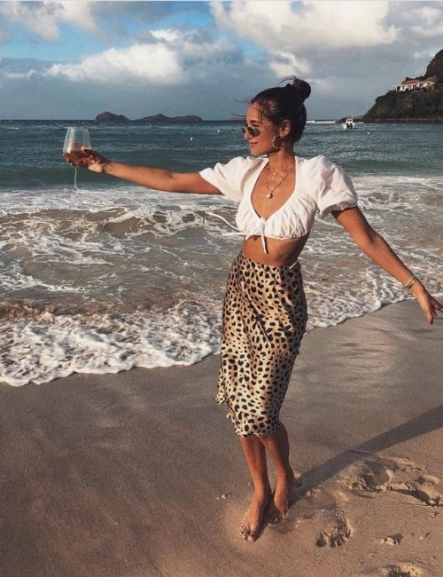 Beautiful leopard skirt_Must-Have_Leopard Skirt_Animal Print_Girl with Leo Skirt at the beach