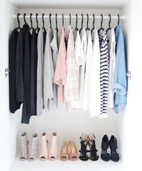 Inspirations & Storage Essentials for an organised and stylish wardrobe_Dressing Area_same black Hangers