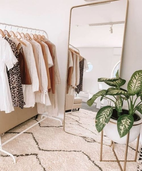 Inspirations & Storage Essentials for an organised and stylish wardrobe_Dressing Area_big mirror