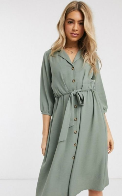 Beautiful Dresses for Mild Summer Evenings_Blonde Girl in green Dress with Dots