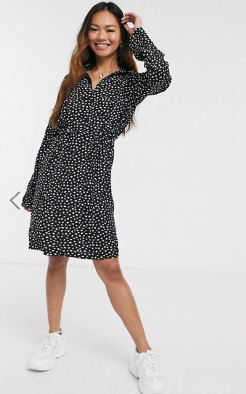 Summer Dresses_Knee-long black Dress with white Dots_long Sleeves