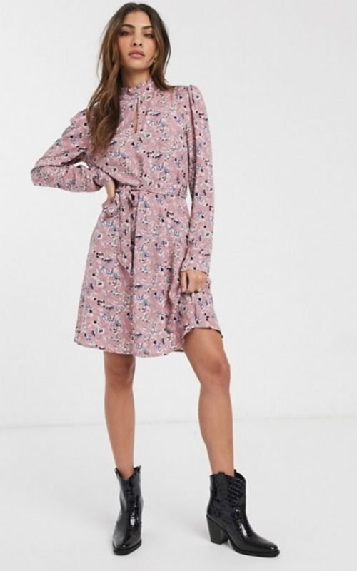 Beautiful Dresses for Mild Summer Evenings_Summer Dresses_Short Dress_violet dress with long sleeves and floral print