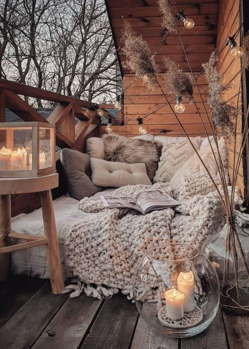 Boho Decoration_Natural Decoration_Cosy Balcony with Chill Area