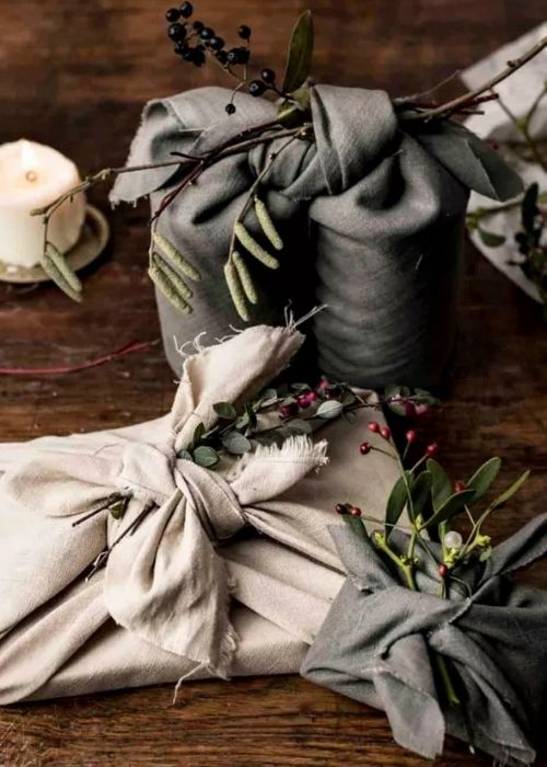 Christmas Gift Wraps_fabric wrapping in black and creme