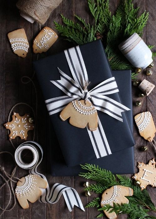 minimalist black christmas packaging with biscuit tag