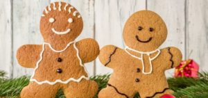 Gift Guide for Best Friend_Sustainable Gifts_Two Gingerbreads with faces