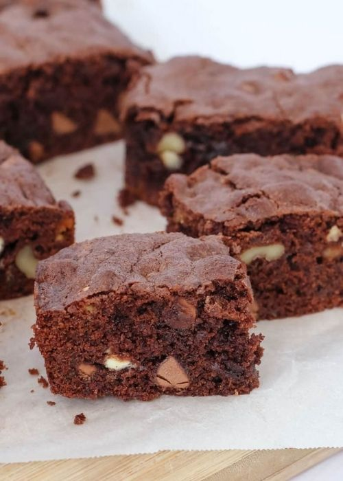 Gift Guide for Last Minute DIY Gifts_Homemade Brownies