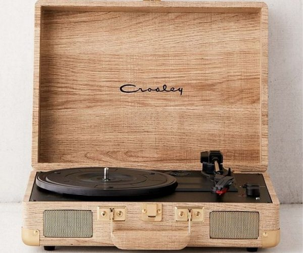 Gifts for boyfriend_Crosley wooden Bluetooth Player