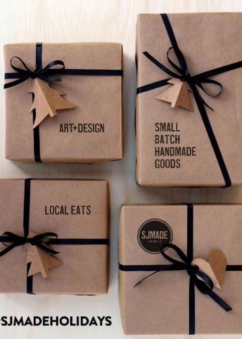 Christmas Gift Wraps_natural christmas packaging with black ribbon