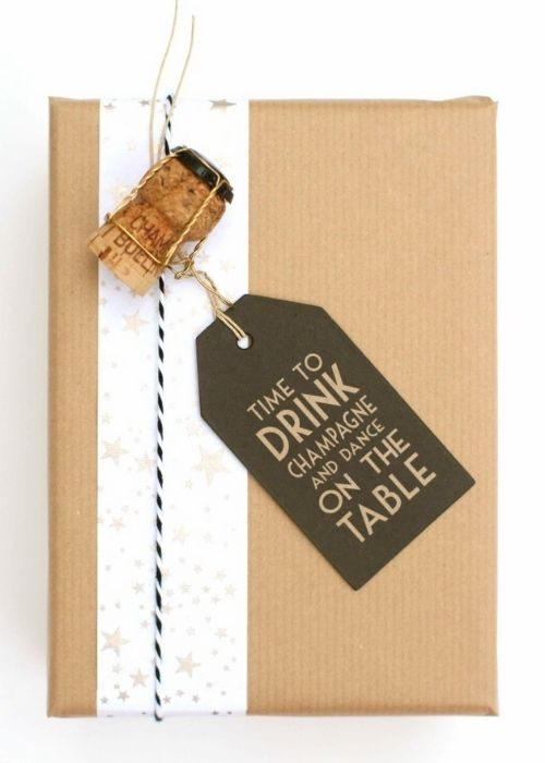 natural and sustainable christmas packaging with cork and individual message