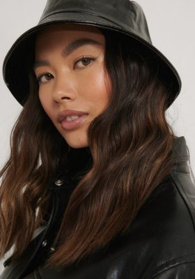 Coco-Cino_Lifestyle and Fashion_accessories_hats_black bucket hat in lacquer
